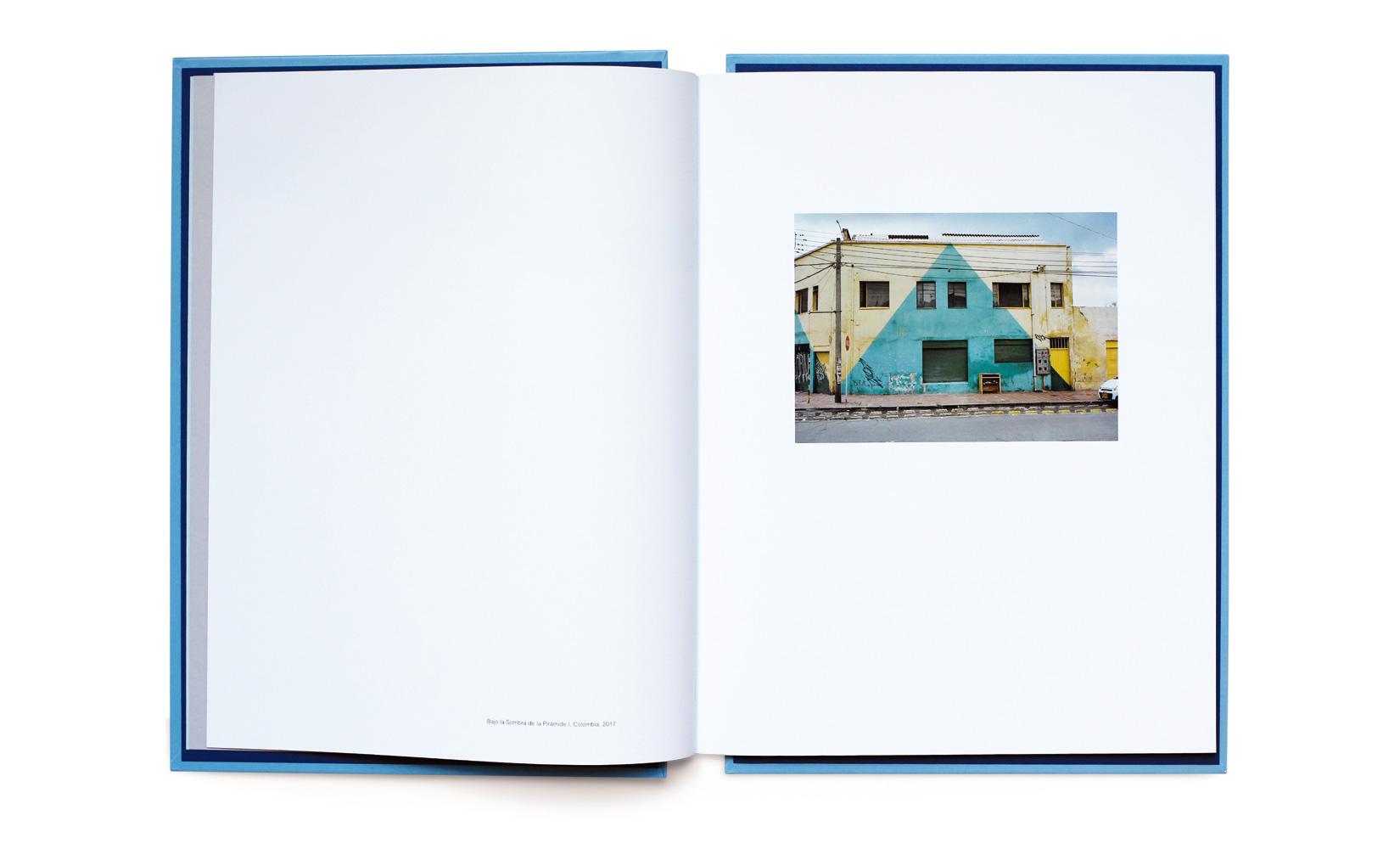 BAJO-LA-SOMBRA-DE-LA-PIRAMIDE-LOPEZ-LUZ-TOLUCA-STUDIO-ANDREOTTI-6.jpg
